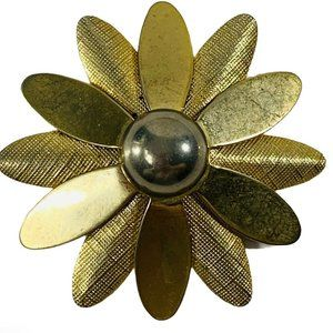 Vtg Gold Tone SARAH COVENTRY Signed Daisy Brooch